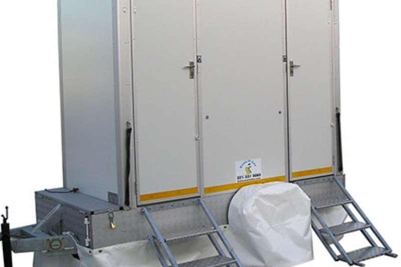 mobile toilette trailer