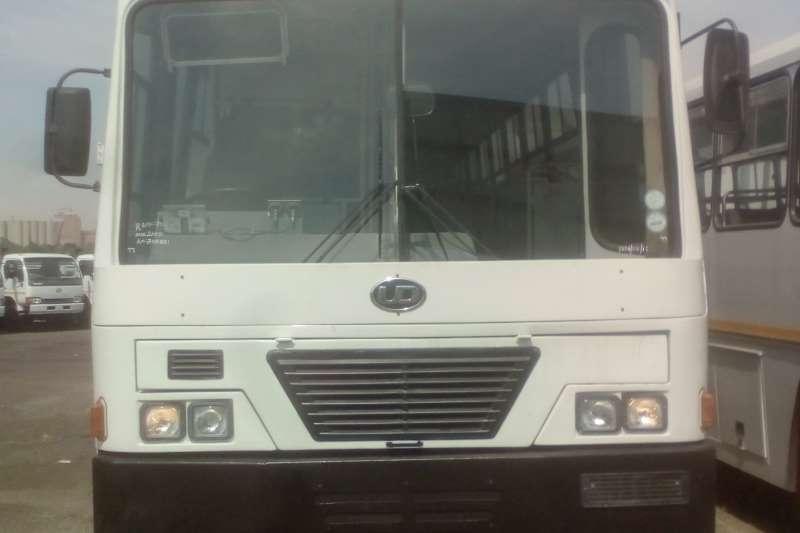 日产65座日产UD290巴士65座全景巴士