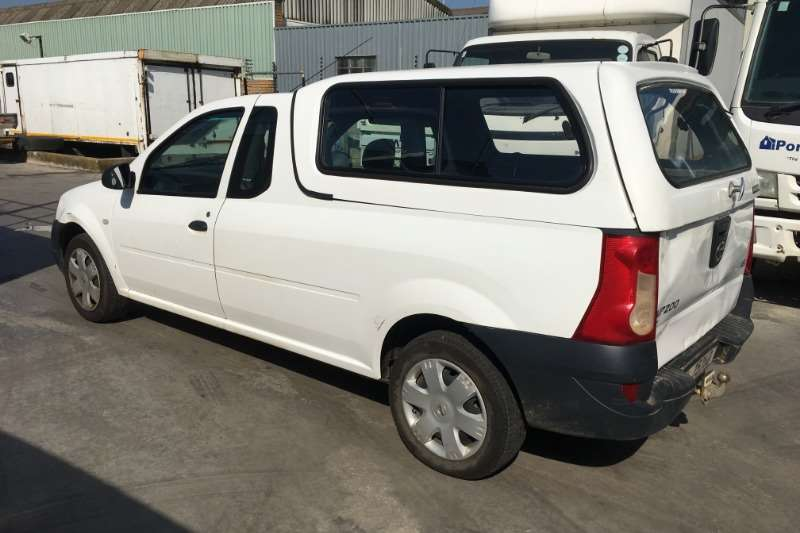 Nissan NP200 1.6i with canopy LDVs & panel vans
