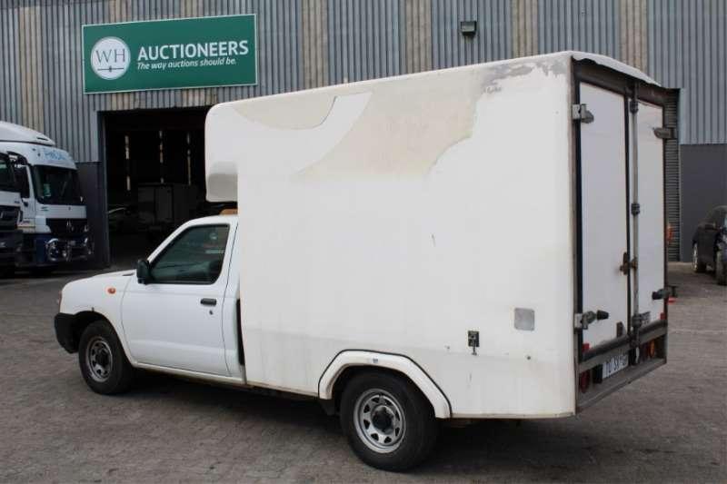 Nissan NP300 Hardbody 2.5 TDi LWB LDVs & panel vans
