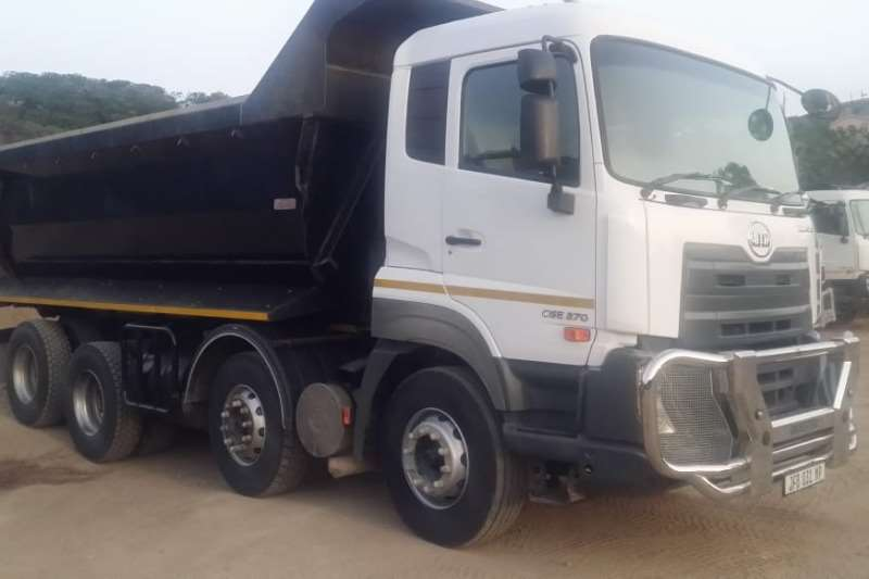 Nissan Nissan Quest 370 Hp Twin steer Tipper18m