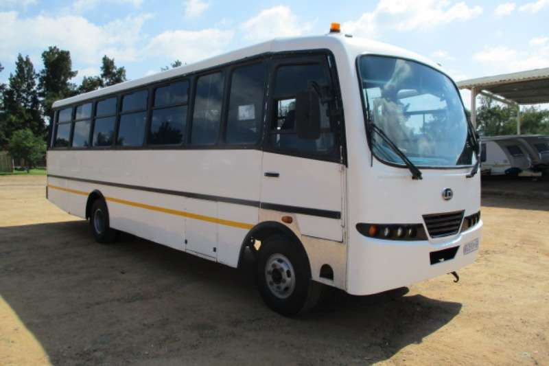 Nissan NISSAN UD 60 40 SEATER BUS