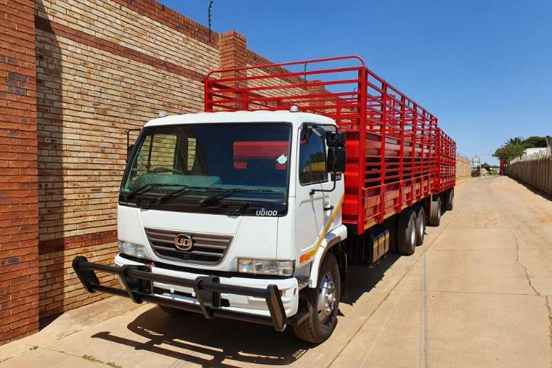 Nissan Truck Cattle Body UD100,6x2,WITH DOUBLE DECKER LIVE STOCK BODY 2011