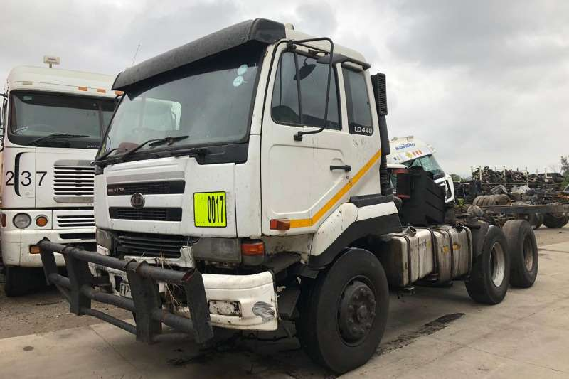 Nissan Chassis cab 2X UD440 Truck