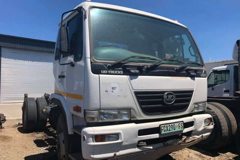 Nissan Chassis cab UD100 SINGLE DIFF Truck