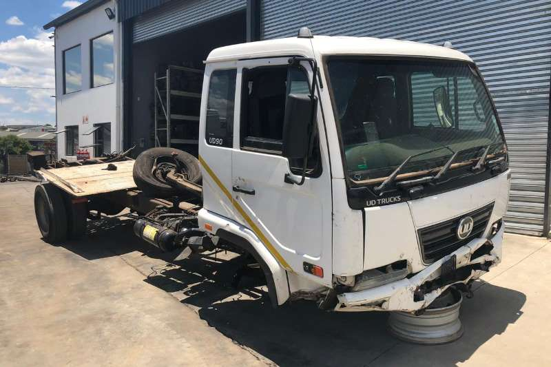 Nissan Chassis cab UD90 Truck