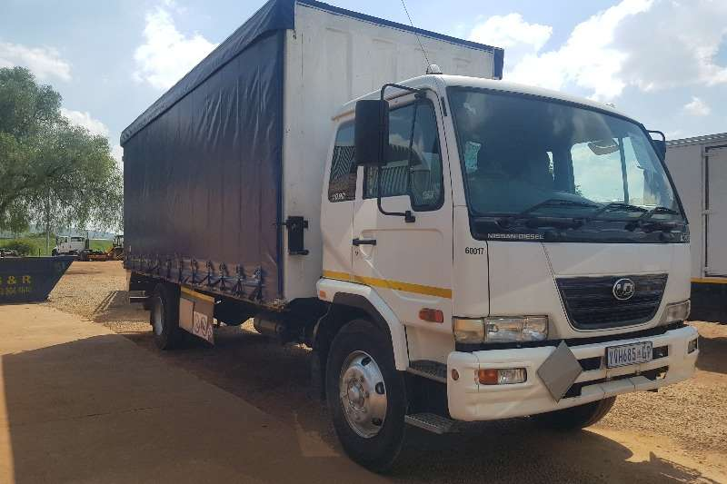 Nissan Curtain side 2009 NISSAN UD90 TAUTLINER 8 TON TRUCK Truck