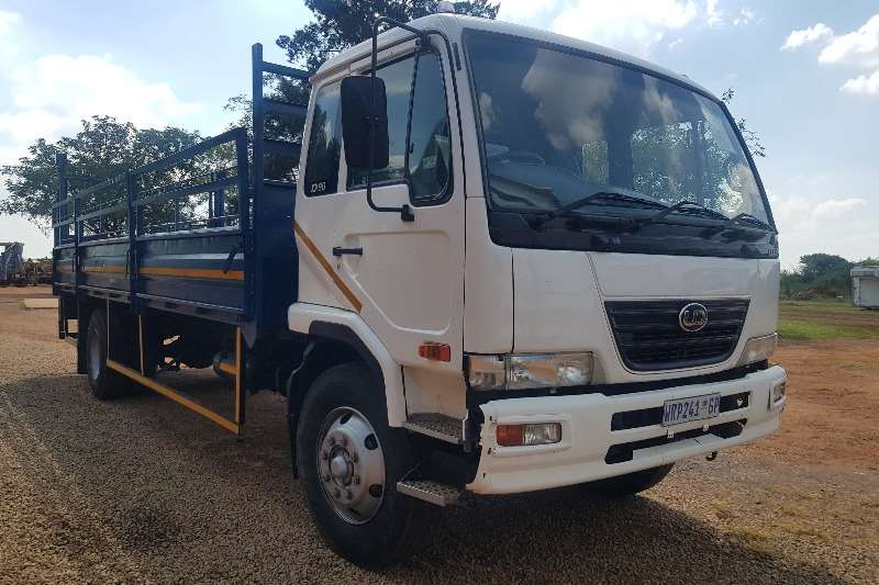 Nissan Dropside 2007 NISSAN UD90 CAGED/DROPSIDE AND TAIL LIFT Truck