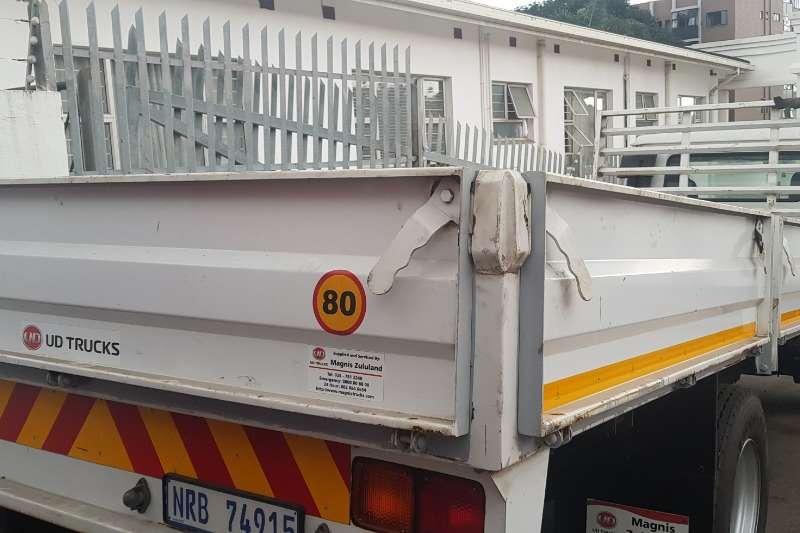 Nissan Dropside UD 80 Truck