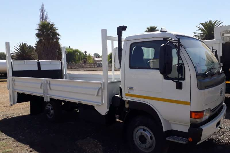 Nissan Truck Dropside UD40 Dropside with Tail Lift 2012