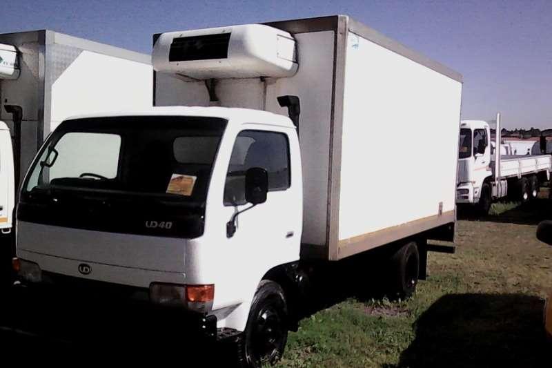 Nissan Fridge truck UD 40 Fridge Truck with Meat Rails Truck