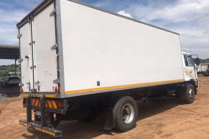 Nissan Insulated fridge unit UD 80 Truck