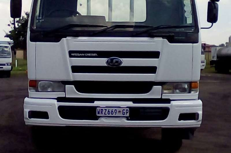 Nissan NISSAN UD290 DROPSIDE Truck