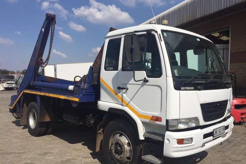 Nissan Skip bin loader UD 85 F/C 6m3 Skip bin loader Truck