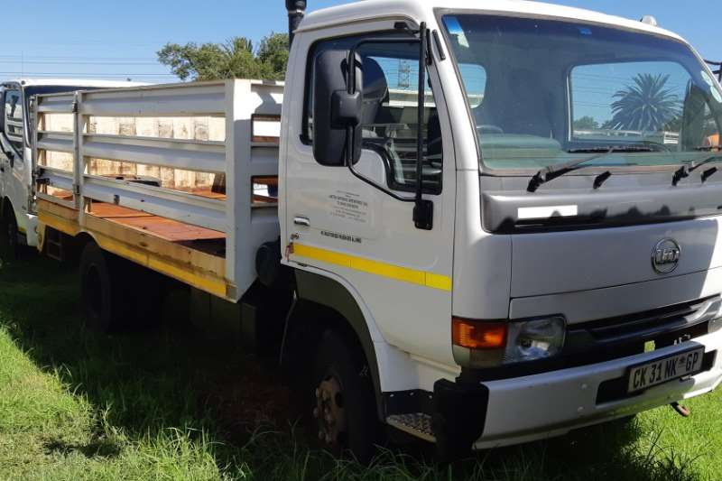 Nissan Truck UD40 With Cattle Body 2013