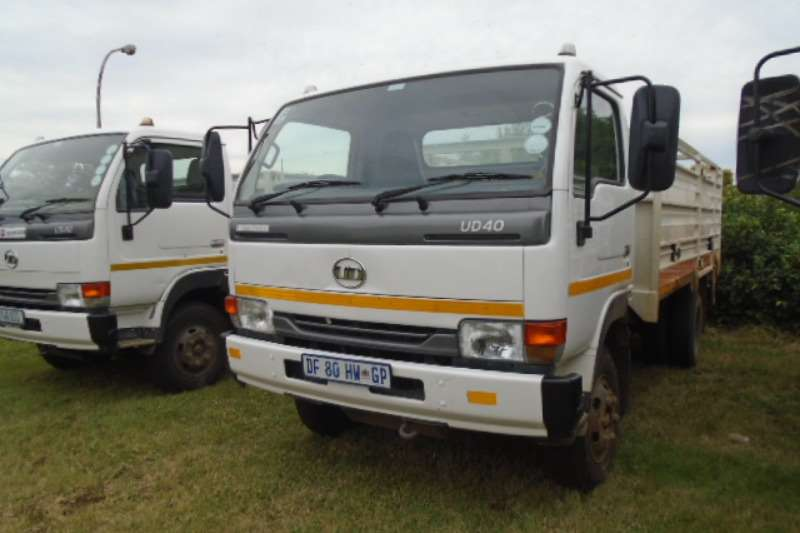 Nissan UD40 With Cattle Body Truck