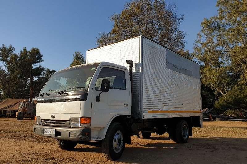 Nissan Van body Nissan UD40 Van Body Truck