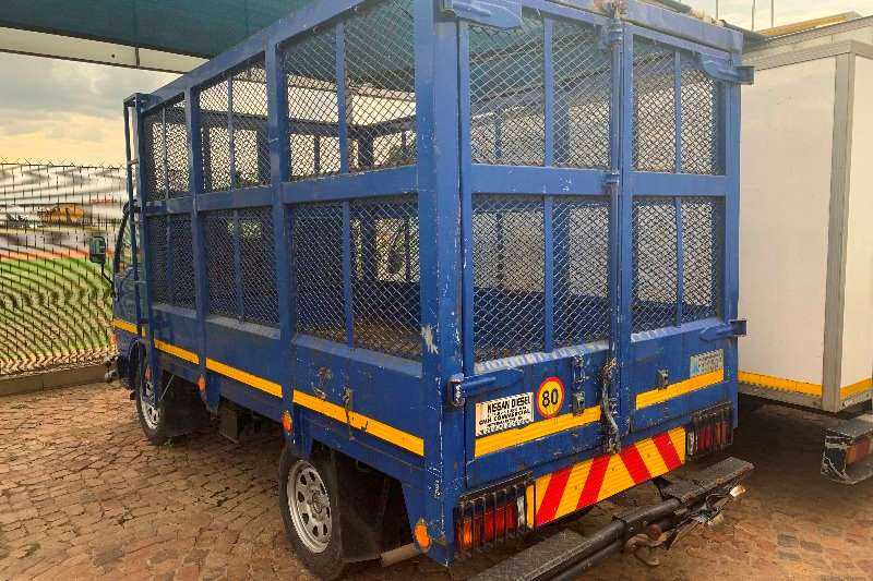 Nissan Volume body Cabstar 20 F/C 2 Ton Cage body Truck