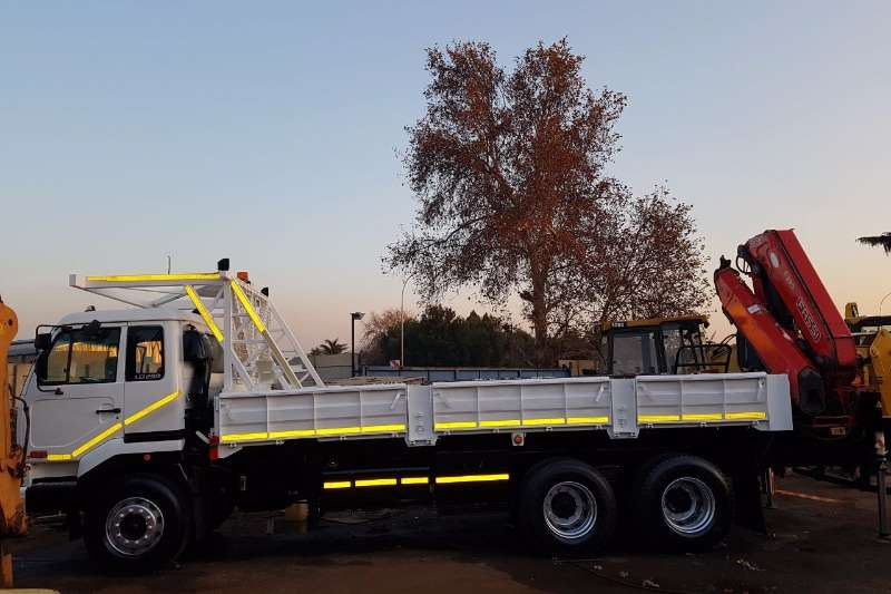 Nissan UD 290 Dropside Full Mine Speck with Fassi F290 C