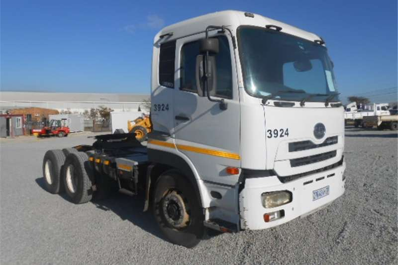 Nissan UD Others 390 6x4 Mechanical Horse 2010