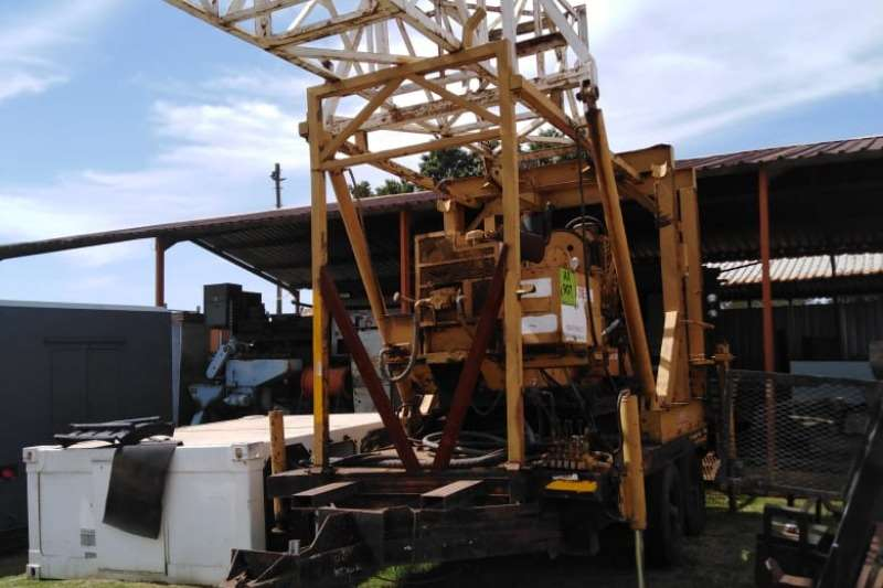 Other Lowbed Diamond drill rig on trailer Trailers