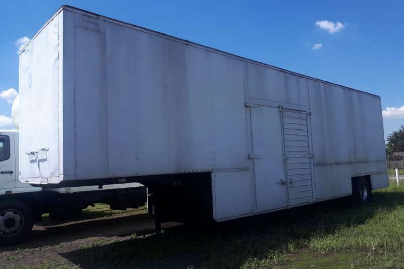 Other Trailers LUTMIL TRAILER FURNITURE STEPDECK BOX BODY 1989