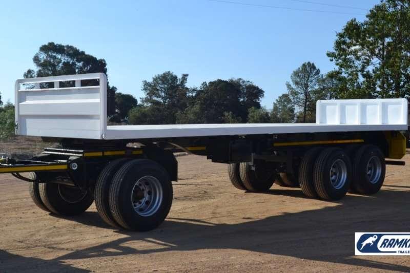 Ramkat Tri-Axle Drie As Beeswa / Tri Axle Cattle Wagon Trailers