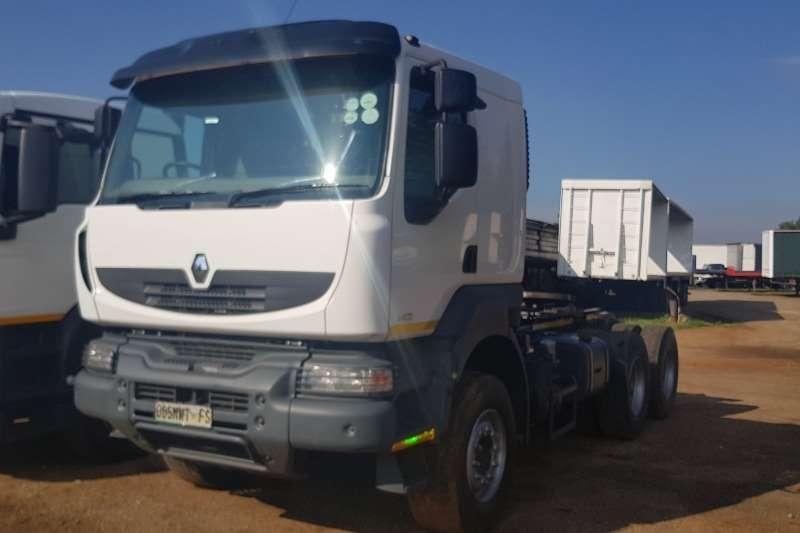 Renault Double axle 440HP Truck-Tractor