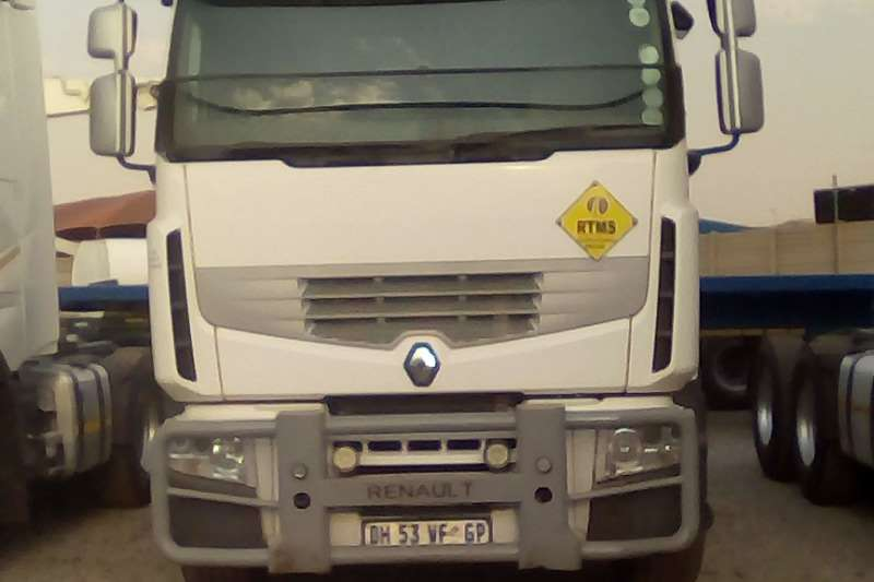 Renault Double axle Premium Lander Truck-Tractor