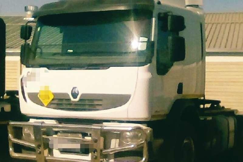Renault Truck-Tractor Double Axle Premium Lander 2015