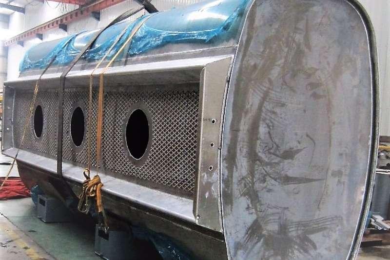 Mercedes Benz 19000 Litre 3-Compartment Rigid Fuel Tank Rigid - tanker