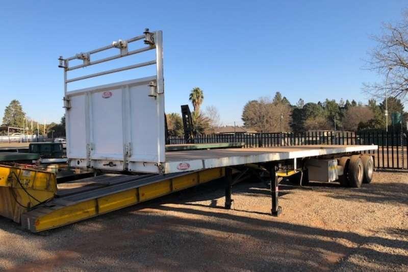 SA Truck Bodies 2 axle 12m Flatdeck