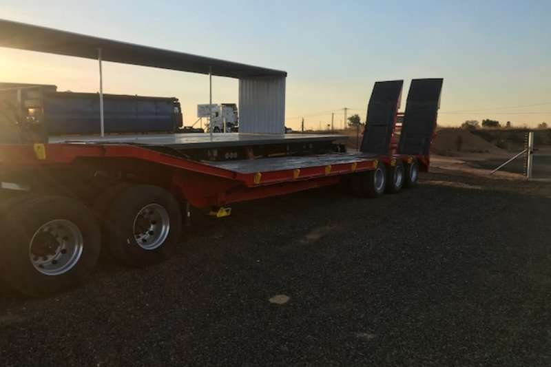 SA Truck Bodies Specialist vehicle Lowbed Trailers