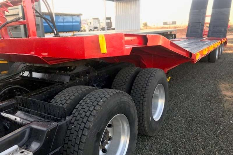 SA Truck Bodies Trailers Specialist Vehicle Lowbed 2000