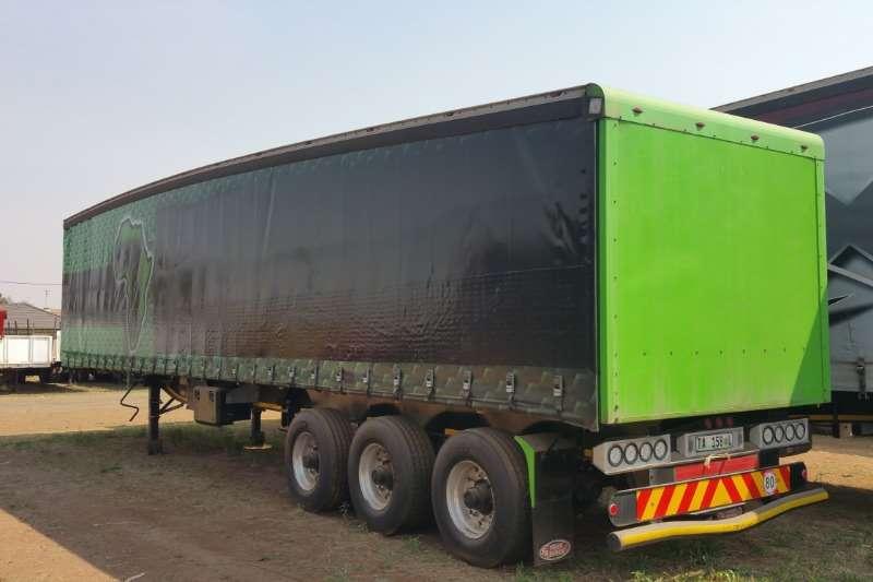 SA Truck Bodies Tridem Tautliner