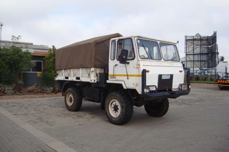 Samil Truck Passanger Carrier SAMIL 20 CANVAS BODY WITH PERSONEL SEATS 4X4 1995
