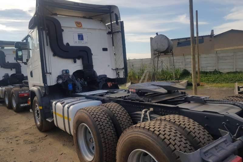 Scania Double axle G460 Truck-Tractor