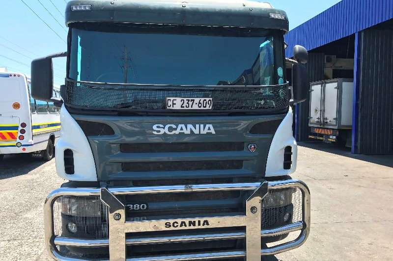 Scania Double axle P380 Truck-Tractor