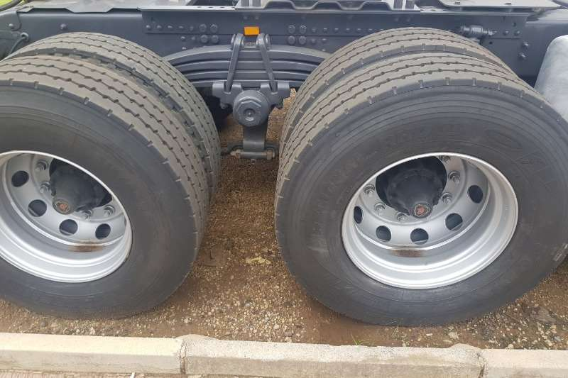 Scania Double axle R460 Truck-Tractor