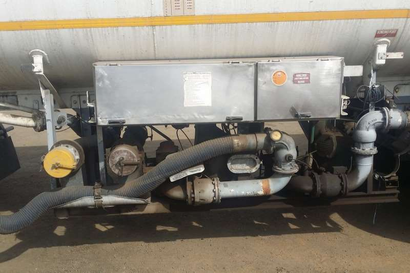 Southern Star Fuel tanker 24 000 LITRE Trailers