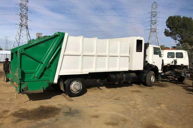 Tata 2006 TATA 1518 Garbage Stripping for Spares