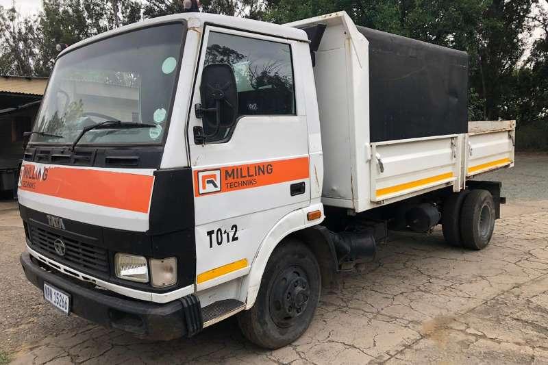Tata 813 TIPPER