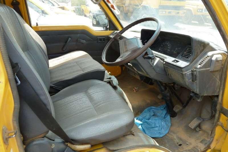 Toyota Toyota StandarSuper 16, standard 13 20 Seater P Hi Buses
