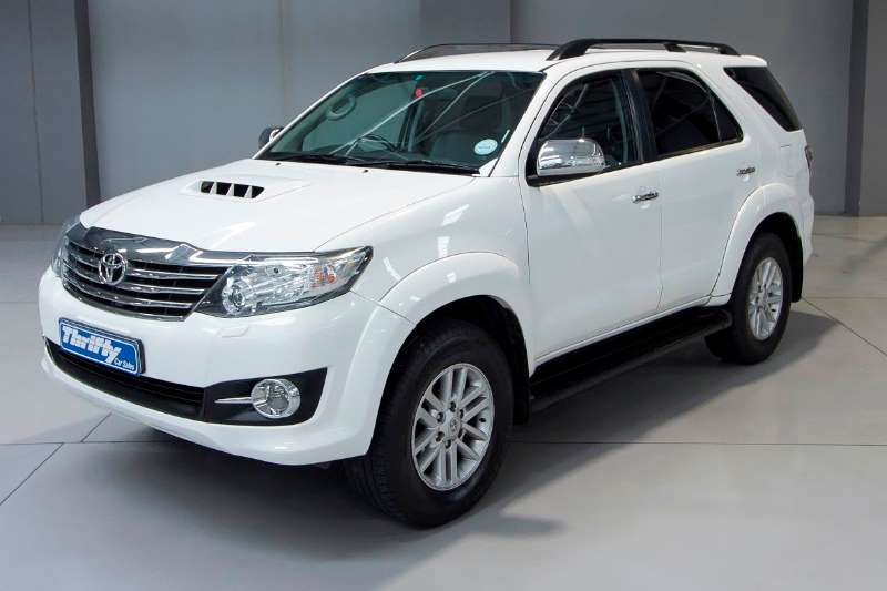 Toyota Fortuner 3.0 D 4D 4X4 At LDVs & panel vans