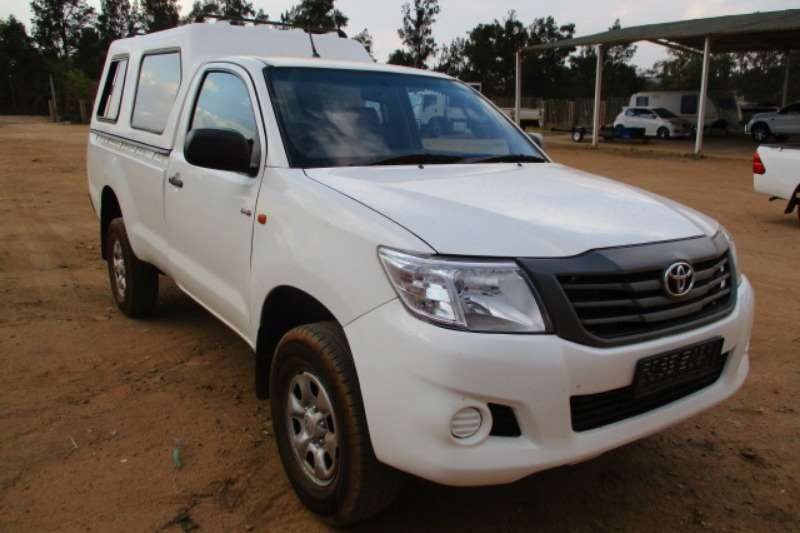 Toyota LDVs & Panel Vans TOYOTA HILUX 2.5 D4D WITH CANOPY 2013