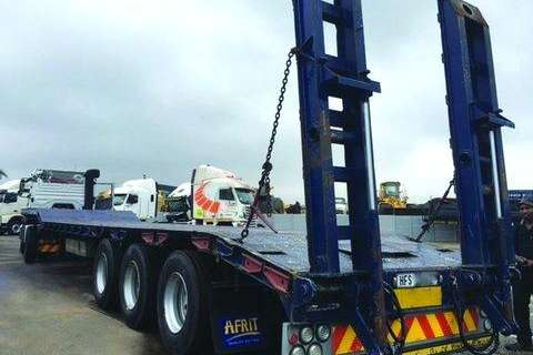 Trailers Afrit Lowbed Tri-Axle Step Deck Lowbed- 2013