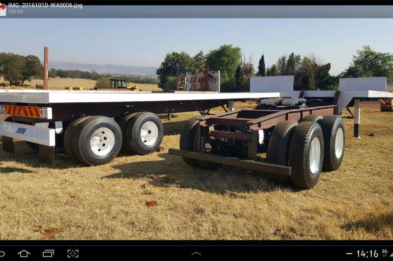 Trailers Afrit Superlink with container locks new front deck 1996