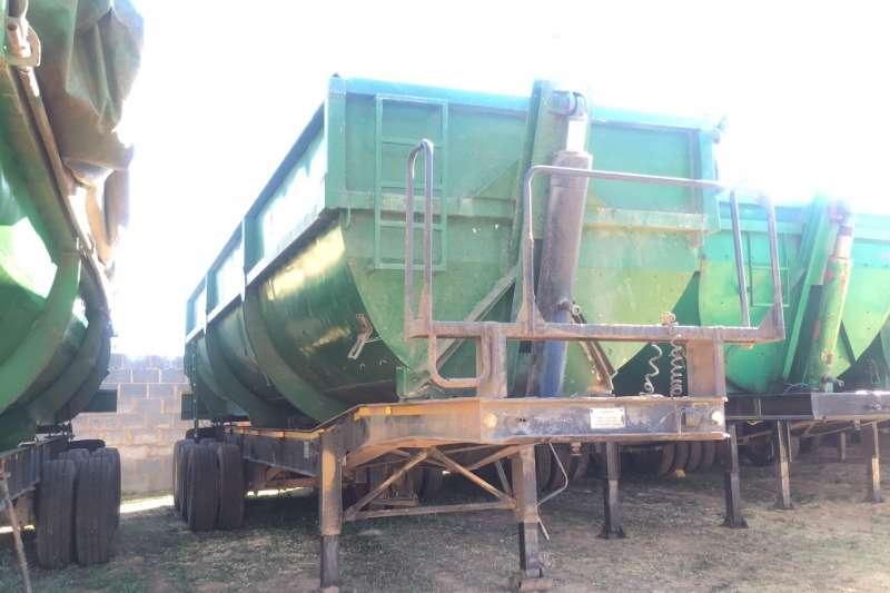 Afrit Tipping bulk trailer 30Cubic Slopper Tipper Trailers