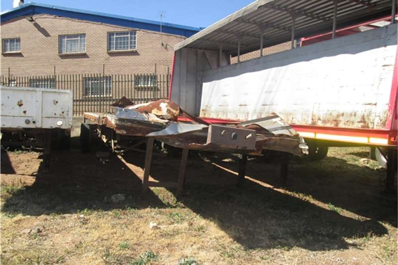 Busaf Lowbed 9m Retractable flatdeck Trailers