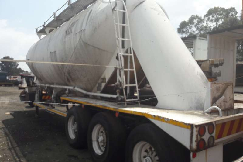 Trailers Dry Bulk Tanker Used Dry Bulk Tanker Available 1998